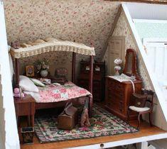 Antique Dollhouse, Miniature Dollhouse Furniture, Miniature Quilts, Miniature Rooms, Diy Dollhouse, Dollhouse Miniatures, Fairfield House, Tudor House, Bedroom Accessories
