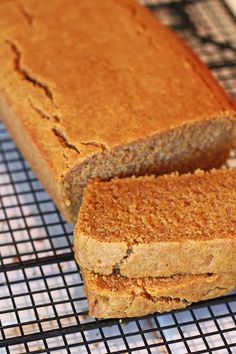 Sarah Bakes Gluten Free Treats: gluten free vegan pumpkin bread