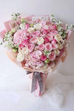 Pretty In Pink, Beautiful Flowers, Wedding Bouquets, Wedding Flowers, Gift Bouquet, Good Morning Flowers, Wedding Flower Inspiration, My Secret Garden, Flower Decorations