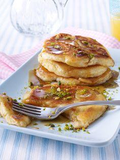 Seien Sie morgens nicht sparsam! Mit dem richtigen Diät Frühstück, können Sie schnell ein paar Pfunde verlieren. Pfannkuchen, Bagels und Brot sind erlaubt!