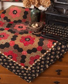 Amazon.fr - English Paper Piecing: Fresh New Quilts from Bloom Creek - Vicki Bellino - Livres