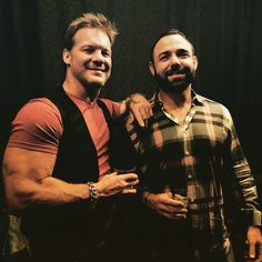 「Great catching up with my old friend & and one of my all time favorite @wwe characters #SantinoMarella @themilanmiracle after a sold out show in…」
