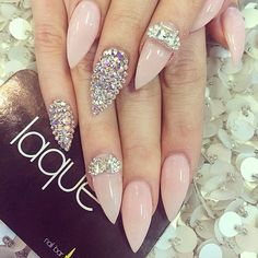 Love the nail art, not the shape of the nails