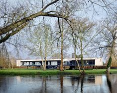 Narula House raised on stilts over River Thames flood zone Architecture Today, British Architecture, London Architecture, Interior Architecture, Interior Design, Raised House, Solar Shades, Flood Zone, River Thames