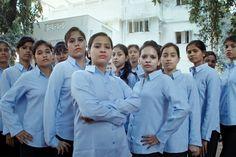 Indianas sobreviventes de tráfico sexual e futuras advogadas: essas são as 19 alunas do primeiro curso de Direito da School For Justice (Escola pela Justiça) que acaba de começar na Índia onde milhões de meninas são escravizadas todos os anos. O projeto tem como objetivo capacitá-las para que criminosos sejam de fato punidos por um ato tão bárbaro. Leia mais em marieclaire.globo.com #SchoolForJustice #FreeAGirl  via MARIE CLAIRE BRASIL MAGAZINE OFFICIAL INSTAGRAM - Celebrity  Fashion  Haute…