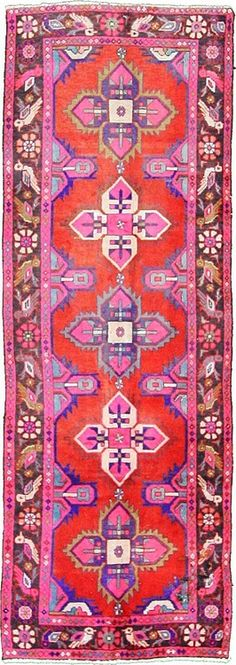 colors! beautiful! I normally hate pink and red together but somehow through the pattern it works