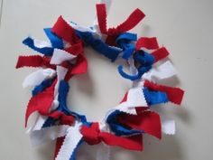 This would be great in fall colors.  What a fun way for kids to practice tying knots!