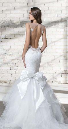 10 most stunning wedding dresses in 2019