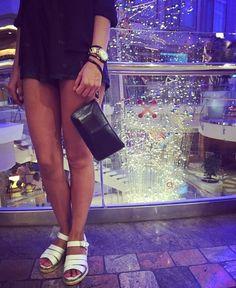 Carteras de moda y cuero para mujeres en PLUMSHOPONLINE.COM Leather and fashion womens handbags #bags #bag #moda #clutch #outfit #clutch - Clutch de cuero negro pia