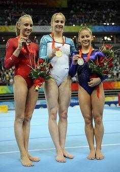 Nastia Liukin (USA), Sandra Izbaşa (Romania) & Shawn Johnson (USA) floor finals 2008 Olympics