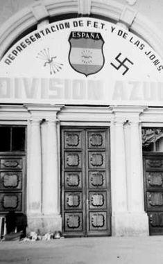Estación del Norte de Madrid, luciendo nueva decoración Division, Spanish War, Germany Ww2, The Third Reich, Personal Photo, Vintage Travel, World War Ii, Wwii, Vintage Photos