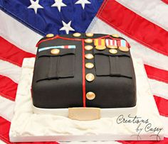 Patriotic Desserts Dress Blues Photo by Casey de Céspedes It doesn't get much more American than this edible replica of the Marine dress blues from Creations by Casey! See more from Casey's Bakery Fab Cakes, Cute Cakes, Beautiful Cakes, Amazing Cakes, Call Of Duty Cakes, Marine Cake, Memorial Day Flag, Military Cake, Fourth Of July Food