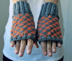 Fingerless gloves! I don't believe I own a single pair of gloves WITH fingers...