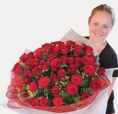 Gambar Bunga Valentine Mawar 50 Tangkai Cut Flowers, Raspberry, Texture, Fruit, Inspiration, Food, Surface Finish, Biblical Inspiration, Essen