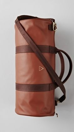 Brown Leather Boxing Duffle Have you checked out these fashinable duffel bags Leather Box, Leather Craft, Brown Leather, Stylish Mens Outfits, Stylish Clothes, Men Clothes, Mens Fashion Blog, Fashion Tips, Mode Style