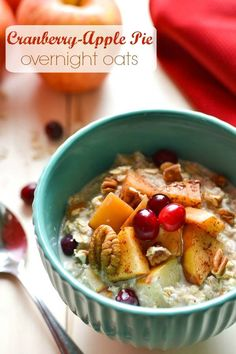 Cranberry-Apple Pie Overnight Oats - a healthy, make-ahead breakfast recipe! 21 Day Fix approved!