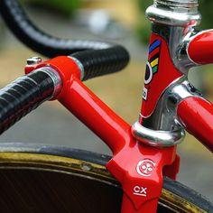 """#colnago #master #aero #colnagomaster #pursuit #track #crono #krono #pista #bikeporn #Bicicleta #bikes #cycles #fixedgear #velodrome #場地…""instagram.com"