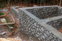 Those who wish to obtain basic construction skills should better start with the rock masonry on the example of how to build a rock wall. Stone House Plans, Barn House Plans, Simple House Exterior Design, Building A Stone Wall, Interlocking Bricks, Stone Masonry, Lawn And Landscape, Contemporary House Plans, House On The Rock