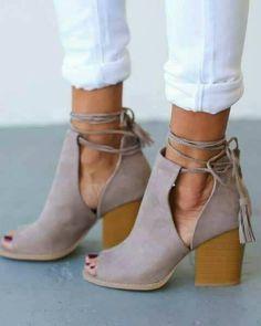 Peep Toe Bandage Chunky Heeled Pumps - Stitch Fix Style Board - Shoes Look Fashion, Fashion Shoes, Autumn Fashion, Womens Fashion, Fashion Jewelry, Summer Fashion Trends, Summer Trends, Cheap Fashion, Leather Fashion
