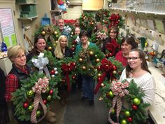 Private design class for fresh wreaths