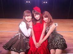 7期のセンターが卒業していきました時が経つごとに実感する、同期の大切さ。やっぱり特別なんだなあ。 タンポポの決心を歌うと、研究生公演を思い出す。みんな成長したよね/ _ ;笑 素敵な女優さんになってね、亜美♡ https://twitter.com/sumire_princess/status/770269376691838976