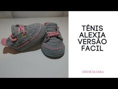 YouTube Booties Crochet, Crochet Slippers, Baby Booties, Crochet Baby Clothes, Crochet Baby Hats, Diy Crochet, Knitting Socks, Baby Knitting, Hello Kitty Crochet