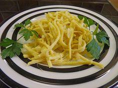 Schwäbische Käsespätzle, ein gutes Rezept aus der Kategorie Resteverwertung. Bewertungen: 5. Durchschnitt: Ø 2,6.
