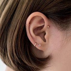 Tiny Star Earrings/ Diamond Star Earrings in Solid Gold/ Tiny Diamond Earrings/ Tiny Stud Earrings/ Tiny Diamond Studs/ Valentines Day - Fine Jewelry Ideas - Innenohr Piercing, Upper Ear Piercing, Cute Ear Piercings, Forward Helix Piercing, Ear Piercings Helix, Forward Helix Earrings, Piercings For Small Ears, Second Lobe Piercing, Chest Piercing