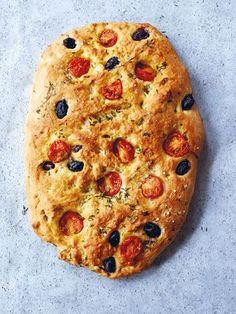 Kirschtomaten-Oliven-Focaccia