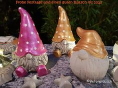 Betonplausch: Frohe Festtage und alles Gute fürs 2020 3. April, Sculpting, Garden Sculpture, Balloons, Christmas Ornaments, Holiday Decor, Outdoor Decor, Home Decor, Polymer Clay