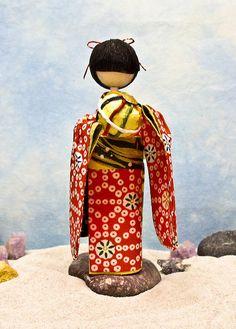 Mari by BooCoo Washi Art, via Flickr Japanese Geisha, Japanese Paper, Model Magic, Diy And Crafts, Paper Crafts, Kokeshi Dolls, Handmade Dolls, Origami Paper, Frogs