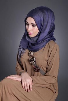 Love the colors and the style of the hijab