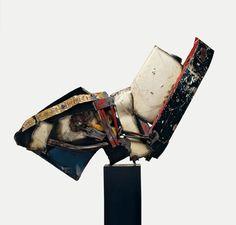 John Chamberlain's Crushed Car Sculptures at Guggenheim Found Object Art, Found Art, Abstract Sculpture, Sculpture Art, Abstract Art, Car Wall Art, Thing 1, Steel Sculpture, Small Sculptures