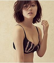 Kusumi Koharu san models lingerie for Peach John, Japan's answer to Victoria's Secret. The pictures are better in the flash version of the catalog but unfortunately I am unable to pin those. Check out the website peachjohn.co.jp 久住小春  ボリュームアップブラ通販商品一覧|ピーチ・ジョン