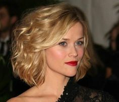 Celebrity Short Bob Hairstyle for 2014: Hairstyle for Heart Face Shape /Getty