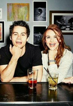 Dylan O´Brien and Holland Roden - Teen Wolf Stiles Teen Wolf, Teen Wolf Stydia, Stiles And Lydia, Teen Wolf Cast, Lydia Teen Wolf, Scott Mccall, Dylan O'brien, Tyler Posey, Lydia Martin