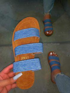 Bling Sandals, Trendy Sandals, Shoes Flats Sandals, Cute Sandals, Cute Shoes, Slipper Sandals, Fashion Slippers, Fashion Sandals, Homecoming Shoes