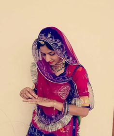 Indian Wedding Couple Photography, Wedding Couple Poses, Indian Bridal Outfits, Indian Bridal Fashion, Rajasthani Dress, Bollywood, Cute Baby Girl Images, School Girl Dress, Rajputi Dress