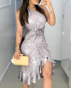 Glitter One Shoulder Twisted Ruffles Hem Dress Glitter One Shoulder Twisted Ruffles Hem Dress The post Glitter One Shoulder Twisted Ruffles Hem Dress appeared first on Outfit Trends. Sequin Dress, Ruffle Dress, Bodycon Dress, Chiffon Dresses, Glitter Party Dress, Trend Fashion, Women's Fashion, Fashion Online, Looks Chic