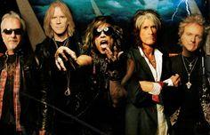 Aerosmith comenzó su gira en Bulgaria este mes e irán a través de Europa y Norte América en los próximos cuatro meses. La banda actualmente se encuentra como agente libre después de que su contrato con Sony terminara.