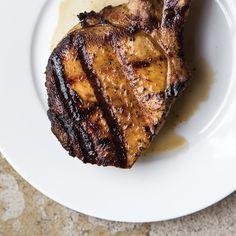 Côtelettes de porc au lait de beurre Pork Chops, Coriander, Main Meals, Pork Recipes, Barbecue, Main Dishes, Gluten Free, Favorite Recipes, Food