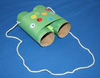 Toilet roll binoculars~ too cute!!! Will be using these on our walking adventures <3