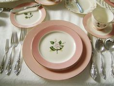 "Gorgeous table settings.  Couldn't decide whether to put this on my ""I dream of dishes board"" or this one!"