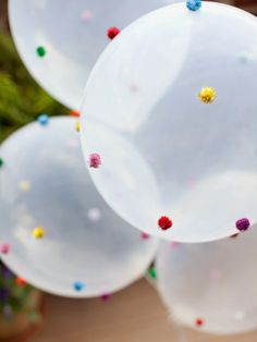 We love these pom pom balloons! Perfect for Cinco de Mayo!