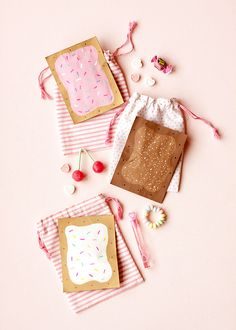 "Valentine Pop Tart Pouch ⋆ Handmade Charlotte Valentine Pop Tart Pouch ⋆ Handmade Charlotte<br> Say ""I love you with all of my TART"" or ""I'm glad you popped into my life!"" with these Valentines! Valentines Day Party, Valentine Day Crafts, Be My Valentine, Valentine Cards, Funny Valentine, Crafts To Make, Diy Crafts, Diy Gift Box, Valentine's Day Diy"