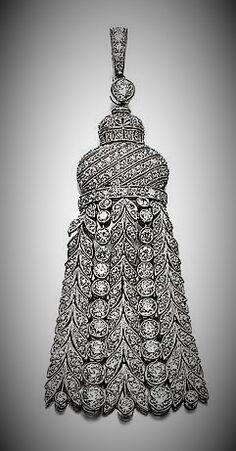 Diamond-necklaces-diamond-pendant-circa-1930-designed-as-an-articulated-tassel-millegrain-set-with chain