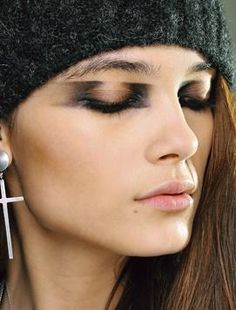 Fall Runway Makeup Trends 2012 Unconventional Smokey Eye
