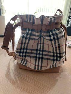 Sac seau Calypso en tissu rayé et simili cuir cousu par Caroline - Patron Sacôtin Backpacks, Diaper Bag, Bags, Instagram, Lunch Box, Boutique, Fashion, Bucket Bag, Sewing