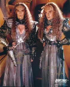 The Duras sisters, Lursa and B'tor. from Star Trek: The Next Generation. My favorite characters are the Klingon's. Klingon women were tough and they did not take any lip from anybody. Klingon Empire, Star Trek Klingon, Star Trek Enterprise, Star Trek Voyager, Star Trek Show, Star Wars, Star Trek Rpg, Science Fiction, Comedy Pictures