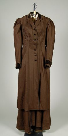 Women's Suit, Date: 1890–95 Culture: American Medium: wool, silk  Costume Collection at The Metropolitan Museum of Art,  Accession Number: 2009.300.2400a, b